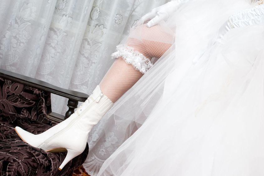 de kousenband onder je trouwjurk